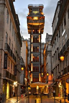 Santa Justa Lift, Lisboa, Portugal. Love dusk lights to take pictures!