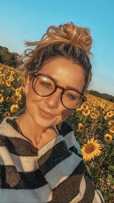Zoe Sugg, Zoella, Other People, Role Models, My Best Friend, Pretty Girls, Youtubers, Love Her, Summertime