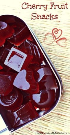 Cherry Fruit Snacks Ingredients 1 Cup Cherry Juice, divided 3 Tablespoons Gelatin Cup Raw Honey (other natural sweeteners will work too) Pinch of Sea Salt Directions Sprinkle gelatin over cup of cherry juice. Let the gelatin and juice sit for a fe Homemade Jello, Homemade Candies, Homemade Gummy Bears, Candy Recipes, Real Food Recipes, Snack Recipes, Detox Recipes, Vegetarian Recipes, Fruit Snacks