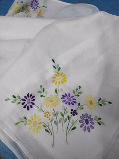 Handmade Embroidery Designs, Hand Embroidery Patterns Flowers, Basic Embroidery Stitches, Hand Embroidery Flowers, Embroidery On Clothes, Silk Ribbon Embroidery, Fabric Painting On Clothes, Fabric Paint Designs, Bag Patterns To Sew
