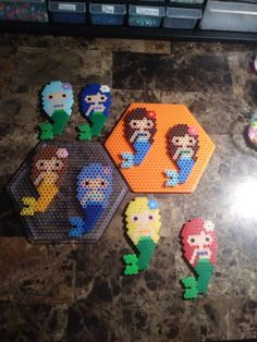 Perler Bead Mermaids - Minecraft World 2020 Melty Bead Patterns, Pearler Bead Patterns, Perler Patterns, Beading Patterns, Peyote Patterns, Perler Bead Templates, Diy Perler Beads, Perler Bead Art, Pearler Beads