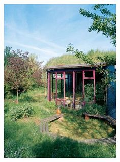 German earth house with living sod roof - www.house-crazy.com