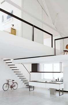 Hoy en imágenes que nos encantan, un loft que combina el blanco y negro es perfecto para la decoración de tus espacios!
