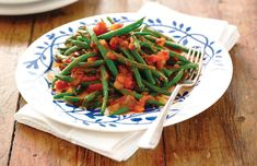 Mancare de fasole verde si pastai galbene Green Beans, Vegetables, Food, Green, Salads, Essen, Vegetable Recipes, Meals, Yemek