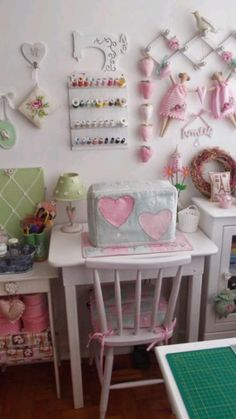 Sewing Room Design, Sewing Room Decor, Sewing Spaces, Sewing Room Organization, Craft Room Storage, My Sewing Room, Sewing Rooms, Space Crafts, Home Crafts