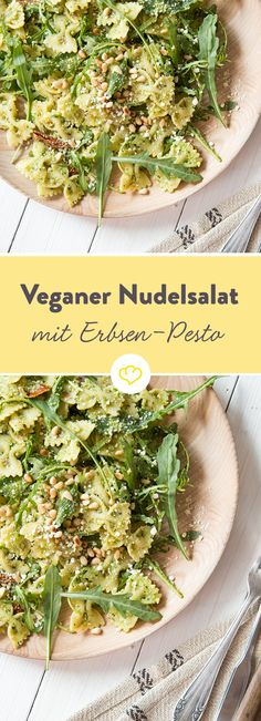 Veganer Nudelsalat mit Erbsen-Pesto und Rucola Delicious pasta salad is also vegan! Instead of mayo with egg there is a creamy, spicy pesto made from peas, basil, parsley, pine nuts and olive o Pasta Recipes, Salad Recipes, Pasta Salat, Vegetarian Recipes, Healthy Recipes, Going Vegan, Food Inspiration, Food And Drink, Vegan Pasta