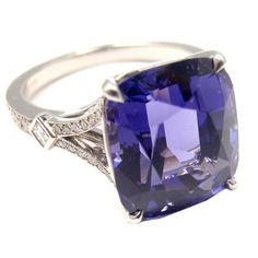 This is a platinum ring by Tiffany & Co. It has a violet spinel. What a lovely stone. I Love Jewelry, Unique Jewelry, Fine Jewelry, Jewelry Box, Fashion Rings, Fashion Jewelry, Bohostyle, Tiffany Jewelry, Love Ring