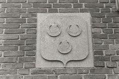 Wapen van Oosterhout op een gevel in de Voorstraat