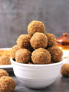 Urad Dal Laddu or Ladoo (No Bake Protein Balls) are nutritious, crunchy and melt in mouth treats prepared using only 3 ingredients in less than 30 minutes. Holi Recipes, Navratri Recipes, Indian Food Recipes, Diwali Recipes, Savory Snacks, Yummy Snacks, Delicious Desserts, Snack Recipes, Yummy Food