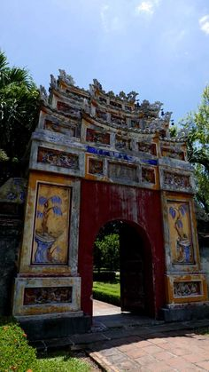 A gate that's in semi-ruin state in Hue, Vietnam, kind of have its own charm, doesn't it?