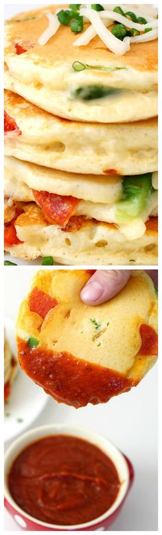 Pizza Pancakes ~ A quick and easy dinner idea that your whole family will love... Personalize them with your favorite pizza toppings for a delicious family dinner in under 30 minute