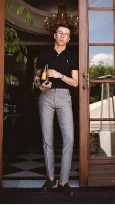 You Can Look Good In Simple Outfits For Men Simple outfits for men.Simple outfits for men. Preppy Mens Fashion, Mens Fashion Blog, Stylish Mens Outfits, Mens Fashion Suits, Simple Outfits, Guy Fashion, Jeans Fashion, Mens Suits, Fashion Outfits
