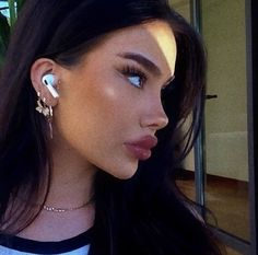 Aesthetic Body, Film Aesthetic, Aesthetic Girl, Makeup Inspo, Makeup Inspiration, Girl Side Profile, Perfect Nose, Brow Lift, Doll Makeup