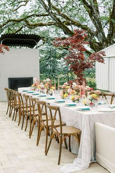 A modern bridal ponytail is just the beginning of this Oregon countryside wedding inspiration. Mosaic lantern motifs, shimmery teal accents and abstract confections rounded out the beauty in this courtyard soiree. And it is an early fall wedding stunner! Forest Wedding Reception, Tent Reception, Rooftop Wedding, Luxe Wedding, Ballroom Wedding, Wedding Reception Decorations, Wedding Venues, Fall Wedding Cakes, Fall Wedding Colors