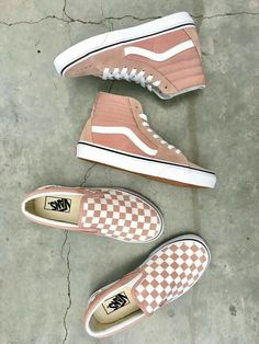 {{gaviaboyden}} - Style :) - # - Source by milavonderstra sneakers vans Sock Shoes, Cute Shoes, Me Too Shoes, Women's Shoes, Shoe Boots, Shoes Sneakers, Sneakers Style, Vans Shoes Outfit, Shoes Style