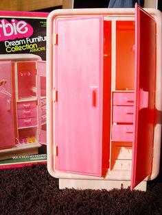 https://flic.kr/p/5QbroN | Barbie Dream Furniture Collection | Armoire de 1978 (em caixa impecável, completo, com 3 cruzetas e tudo!)
