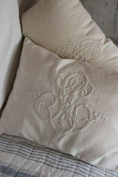 Pillows with oversized monograms from vintage textiles. Linen Fabric, Linen Bedding, Monogram Pillows, Embroidery Monogram, Linens And Lace, Fine Linens, Shabby Chic, Cushions, Antiques