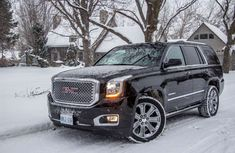 2015 GMC Yukon Denali I like this SUV a lot. I will own one someday with big wheels. Gmc Denali, Yukon Denali, Best Luxury Cars, Luxury Suv, Gmc Trucks 2015, 4x4 Trucks, Suv Reviews, Suv Comparison, Luxury Cars