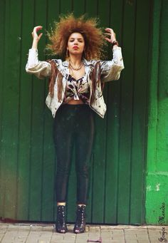 ICE ICE BABY✨ @pina_fresh #streetstyle #model #curlygirl #afro #blondgirl #vintage #vintagestyle #saopaulo #colors