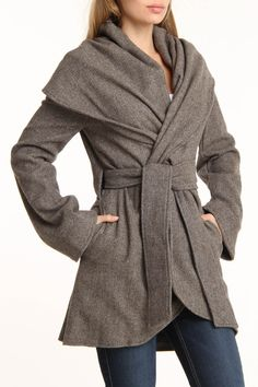 G.E.T. Eavan Cape Jacket In Brown - Beyond the Rack