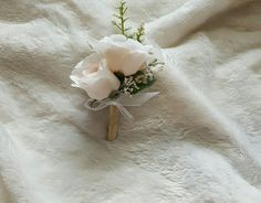 Blush wedding boutonniere from Hen House Designs www.henhousedesigns.net