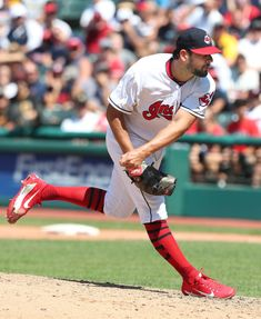 Cleveland Indians Brad Hand got 4 outs for his first save as an Indian against the Pittsburgh Pirates at Progressive Field. July Indians won (Chuck Crow/The Plain Dealer). Mlb Pitchers, Cleveland Indians Baseball, July 25, Pittsburgh Pirates, Crow, Baseball Cards, Sports, Black, Hs Sports