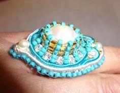 anello fatto a mano, soutache, perla barocca e cristalli Swarovski  - pezzo unico