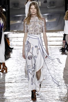 It's true, dream team Peter Pilotto and Christopher de Vos see the world through primary-colored glass. In their eclectic fall 2016 collection, the duo played with whimsy embroidery and multi-level...