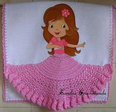Oi Amigas,mais panos de copa,agora com saia e vestido-saia.   Os croches foram feito por mim.  As pintura são da Sheila Maxianjos ,uma cli...