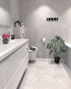 768 Likes, 19 Comments - marte kihl Bathroom Design Inspiration, Bathroom Inspo, Modern Bathroom, Master Bathroom, Bathroom Designs, Interior Inspiration, Bathroom Ideas, Black Tub, Blue Bath