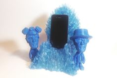 The Blue Meth Throne Charging dock for iphone / Android #breakingbad #breaking #bad #gameofthrones #blue #meth #bluemagic