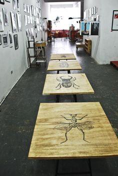 Design descolado e sustentável. Artista cria móveis com caixas de bacalhau