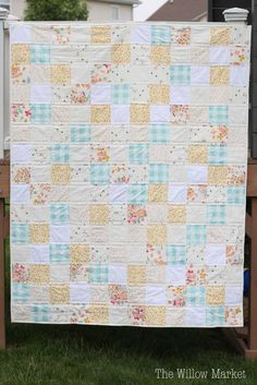 Quilt patterns can& get much better than this Sweet and Simple Squares Quilt Pattern. With some low volume fabric, you can make a throw sized quilt from twelve 5 inch blocks in a day or two. Jelly Roll Quilt Patterns, Patchwork Quilt Patterns, Quilt Patterns Free, Block Patterns, Jellyroll Quilts, Lap Quilts, Quilt Blocks, Scrappy Quilts, Easy Baby Blanket