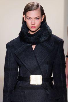 KarlieKloss au défilé Calvin Klein, collection automne-hiver 2013-2014 http://www.vogue.fr/beaute/tendance-des-podiums/diaporama/karlie-kloss-en-20-make-up/12595/image/742936#!defile-calvin-klein-collection-automne-hiver-2013-2014
