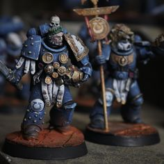 Warhammer Deathwatch, Ultramarines, Warhammer 40k Art, Warhammer Models, Warhammer 40k Miniatures, Marine General, The Horus Heresy, Mini Paintings, Dioramas