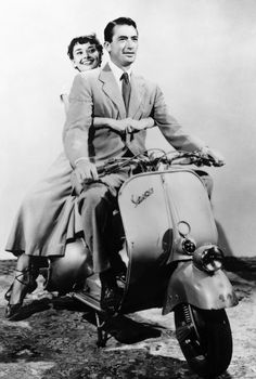 Roman Holiday >> Audrey Hepburn and Gregory Peck