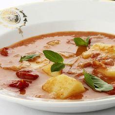 Aardappel-tomatensoep met spek