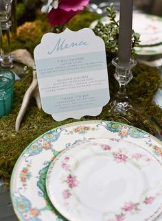 Striped menu and floral plates I like the shape of this menu, think I will draw it on the chalkboard.
