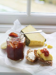 This tomato chilli chutney recipe tastes best when made a month in advance. It would make a great edible gift with a strong, nutty cheese and homemade crackers. Mary Berry, Jam Recipes, Canning Recipes, Free Recipes, Chutneys, Pavlova, Chilli Chutney Recipes, Curry Recipes, Courgette Chutney Recipe