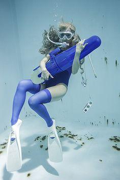 写真集「水中ニーソ」 | sprite