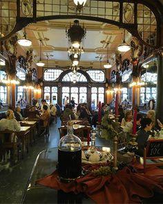 interior view, majestic cafe, porto, @odeteleocadio.