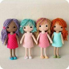 Essas bonecas de feltro by Gingermelon Dolls, são extremamente fofas e lindas! Link: http://gingermelondolls.blogspot.com.br/2013/08/pocket-poppet-pattern-winners.html?m=1