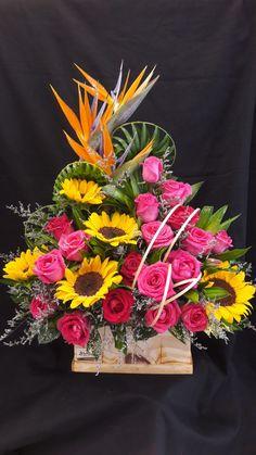 Giỏ hoa sinh nhật Church Flower Arrangements, Fruit Arrangements, Ikebana, Fresh Flowers, Floral Wreath, Bloom, Valentines, Bright Colours, Table Decorations
