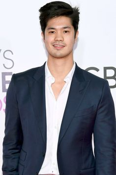 7 Reasons Why You Should Be Obsessed With Ross Butler
