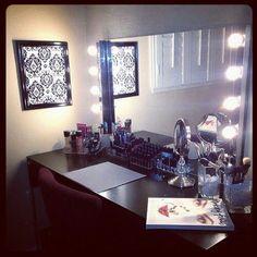 I wish I had a makeup vanity like thisBroadway Lighted Vanity Makeup Desk   by Vanity Girl Hollywood  . Vanity Girl Makeup Desk. Home Design Ideas
