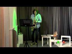 http://www.hdtvone.tv/videos/2015/03/11/live-performance-al-sax-di-alessandro-da-soller-in-occasione-della-presentazione-del-suo-romanzo-il-segreto-del-torrione-per-il-quarto-appuntamento-di-swing-di-parole