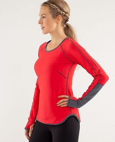Runder Under Long Sleeve *Reversible Color: love red/deep coal Size: 6