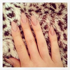 oval nails - nice and neutral