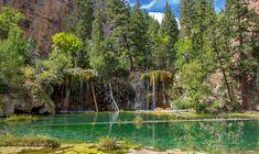 Stany Zjednoczone, Stan Kolorado, Glenwood Canyon, Jezioro Hanging Lake, Wodospady, Drzewa, Skały, Zieleń