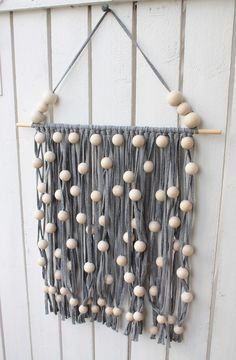 xxxxx Diy Crafts For School, Diy And Crafts, Arts And Crafts, Bazaar Ideas, Beaded Garland, Diy Interior, Homemade Crafts, Recycled Crafts, Hobbies And Crafts